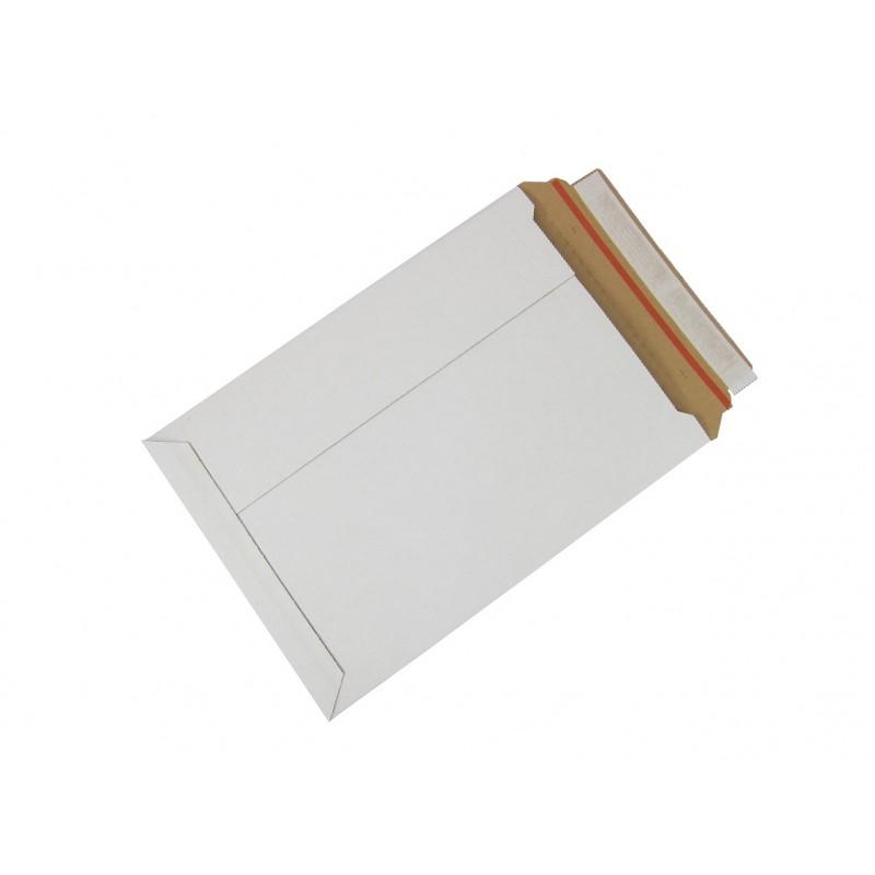 białe koperty kartonowe